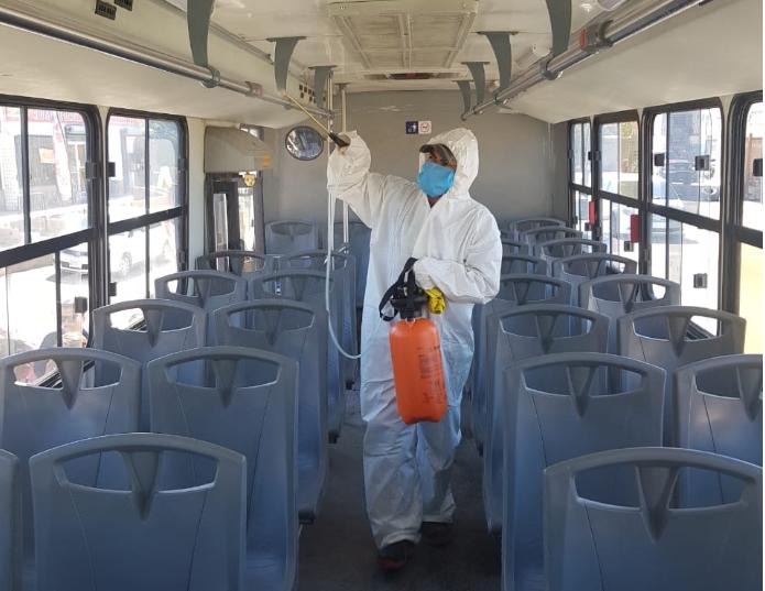 Limitan a 25 pasajeros por unidad de transporte urbano